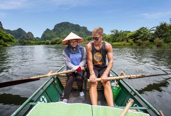 Ninh Binh rowing boats day tour